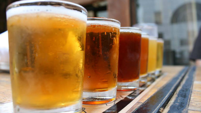 Beer Brands Like Budweiser, Hoegaarden, Stella Artois Banned For 3 Years in Delhi; Imported Liquor May Soon Get Cheaper in National Capital