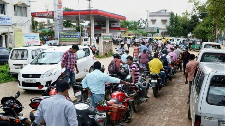 Fuel Rates in India on January 27, 2020: Petrol Price Drops to Rs 79.32/Litre in Mumbai, Rs 73.71/Litre in Delhi; Check Petrol And Diesel Prices in Metro Cities