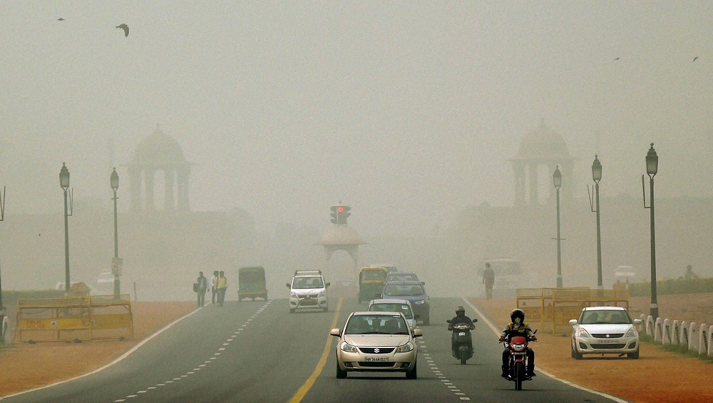 Delhi Air Pollution: AQI Remains in 'Poor' Category in Lodhi Road as Farmers in Haryana And Punjab Continue to Burn Stubble