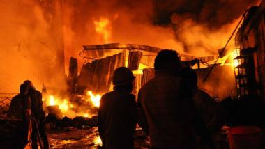 Delhi Fire: Garment Manufacturing Unit in Karol Bagh Catches Massive Fire