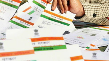 Aadhaar to Be Linked to Your Driving License? Ravi Shankar Prasad in Talks With Nitin Gadkari