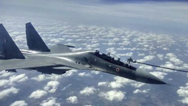 Gagan Shakti 2018: IAF's Sukhoi Fighter Jet Refuels Mid-Air During Wargames Exercise (Watch Video)