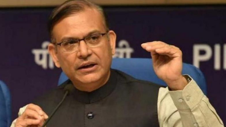 Lok Sabha Elections 2019: Civil Aviation Minister Jayant Sinha's Income Decreased, Wife's Increased