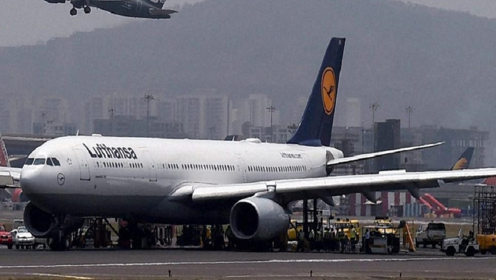 Delhi: CISF Nabs Person Impersonating as Lufthansa Airlines Pilot at Indira Gandhi International Airport