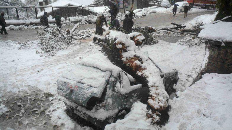 North India Shivers as Rain, Hailstorm Lash Delhi-NCR, Haryana, Punjab; Heavy Snowfall in Himachal, Uttarakhand, J&K (See Pics & Videos)