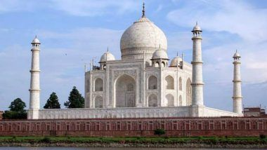 Bajrang Dal Women Perform 'Aarti' in Taj Mahal to Protest Namaz at Historic Site