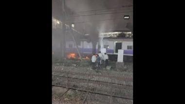 Mumbai Locals: Fire in Suburban Train Coach at Dadar, No Injuries to Commuters