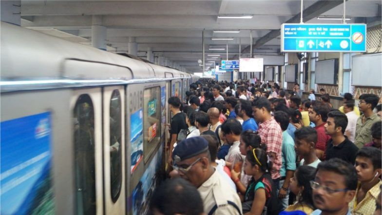 Kolkata: Woman Attempts Suicide by Jumping in Front of Metro Train on Kavi Subhash, Services Hit