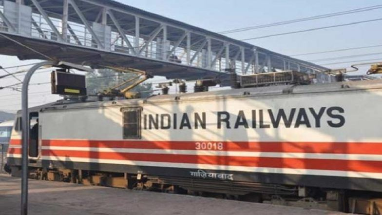 Delhi-Mumbai Route to Experience Enhanced Train Speed as Central Railways Plan to Build 500KM Wall to Keep Tracks Clear