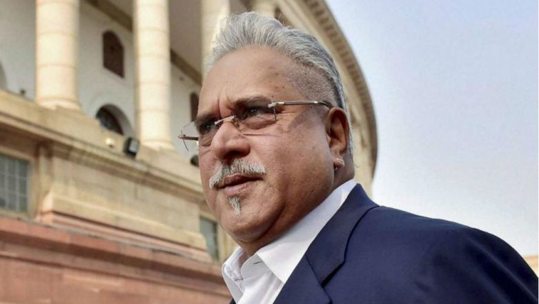 Vijay Mallya Spotted at the Oval Stadium on Day 1 of India vs England 5th Test 2018 (Watch Video)