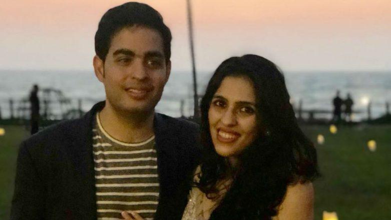 Akash Ambani Proposes to Shloka Mehta! Pre-Engagement Pics of Nita & Mukesh Ambani's Son From Goa Leaked, Family Celebrates During Pre-Wedding Shoot
