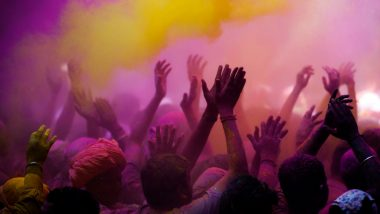 Holi Celebrations in Lucknow: Clerics Shift Friday Namaz Timing for Festival of Colours