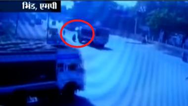 Madhya Pradesh: Journalist in Bhind Run Over by Truck, Video Recorded in CCTV