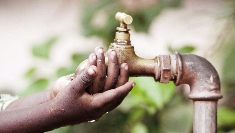Gujarat Minister Kunvarji Bavaliya's Reply to Women Facing Water Shortage: Did You Vote For Me? - Watch Video