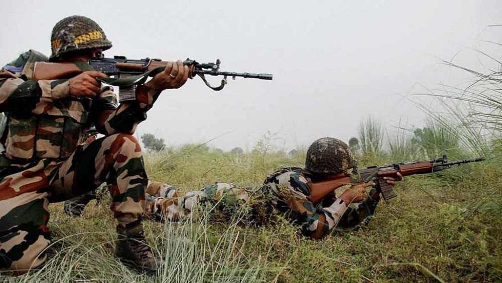 Jammu and Kashmir: Pakistan Violates Ceasefire on LoC Ahead of PM Narendra Modi's UN Speech