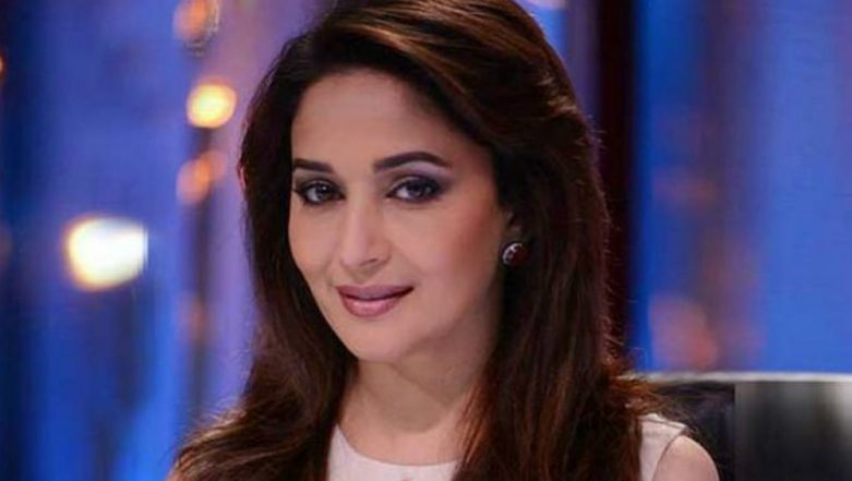 Karisma Kapoor Birthday: Madhuri Dixit Wishes Her 'Dil Toh Pagal Hai' Co-Star by Sharing an Anecdote From The Sets
