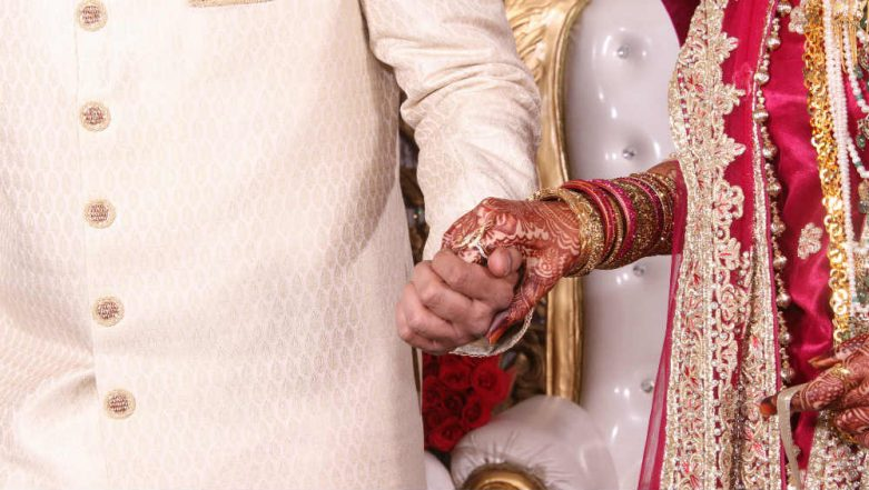 Love And Let Love! 67-Year-Old Man Marries 24-Year-Old Woman in Punjab, HC Orders Police To Give Them Security