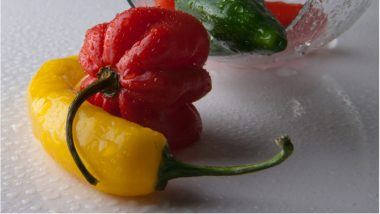 Man Hospitalised After Eating World's Hottest Chilli 'Carolina Reaper': Health Benefits & Side-Effects of Hot Peppers