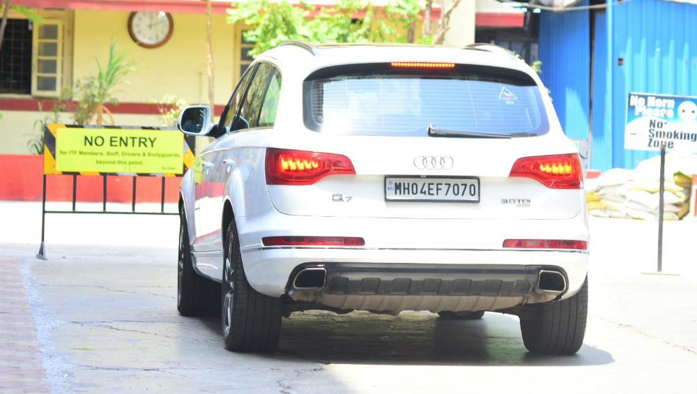 Kareena Kapoor Khan to star in Shah Rukh Khan's Salute?