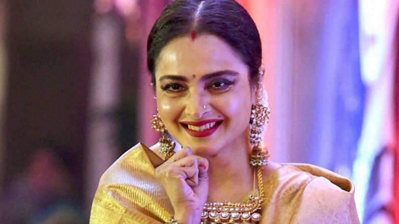 Actress Rekha Blesses 'Malaal' Star Sharmin Segal