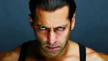 Salman Khan Gets Angry at Fans Gathered Outside His House; Why This Video Goes Viral Now?