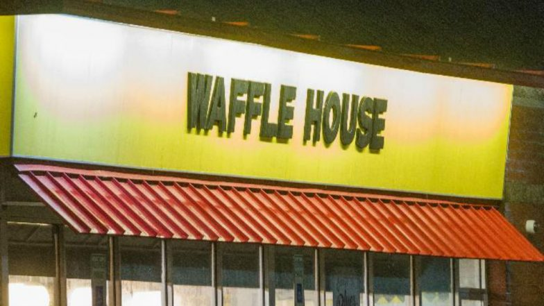 Police hunt gunman who killed four at Nashville waffle house