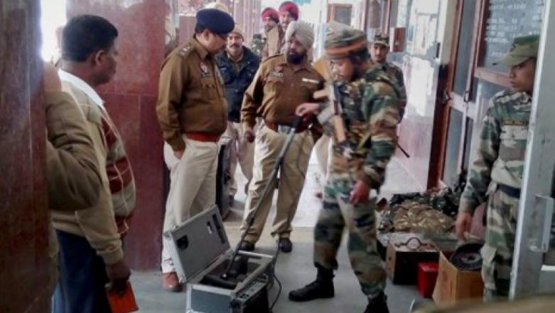 Terror Attack Warning in Maharashtra, Gujarat and Madhya Pradesh: Western Railway Beefs Up Security, Sounds Alert at All Its Stations