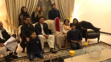 Pakistani Police Officer Sacked After He Refused to Apologise to Ex-husband of Imran Khan's Third Wife Bushra Maneka