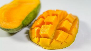 Does Eating Mango Causes Acne & Heat in Body? Here's Busting The Myth!