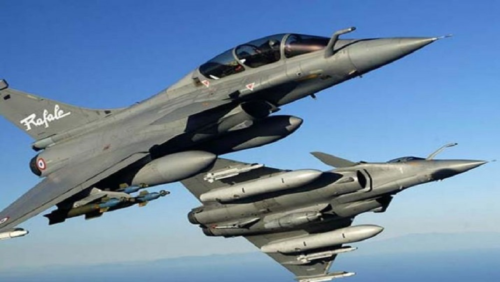 First Rafale Jets to Be Seen in Indian Skies in May 2020, Says IAF Chief RKS Bhadauria