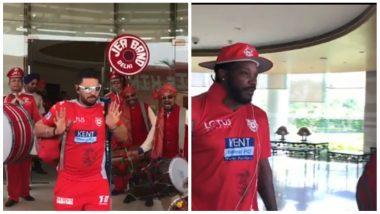 Kings XI Punjab Leave for the Mohali Stadium Amidst Punjabi Dhol Beats, Yuvraj Singh Grooves to the Tunes