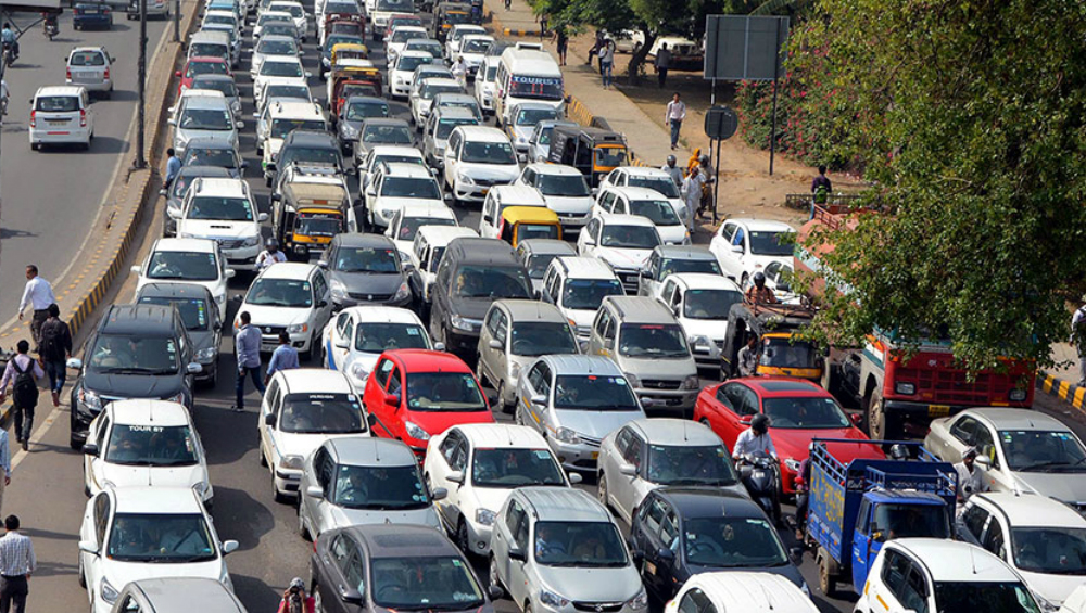 Mumbai-Pune Expressway Toll Rates to Increase, Buses, Cars and Trucks To Pay More From April 1, 2020