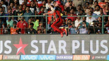 AB de Villiers Superman Catch Against SRH, IPL 2018: Watch Video of RCB Batsman Take One Of The Best Catches Of 11th Indian Premier League