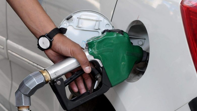 Petrol Price Remains Unchanged, Diesel Rates Slashed on December 14; Check Fuel Prices in Metros