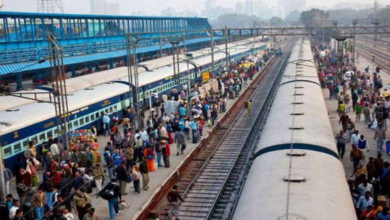 Ticketless Travellers Take Note! Central Railway Nets Rs 159 Crore from Passengers Travelling Without Tickets in 10 Months