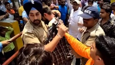 Uttarakhand: Sikh Cop Wins Hearts by Saving Muslim Man From Mob Attack (Watch Video)