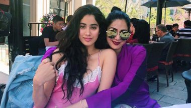 Janhvi Kapoor Gets Emotional at Dhadak's Special Screening, Takes Along Mom Sridevi's Photo With Her