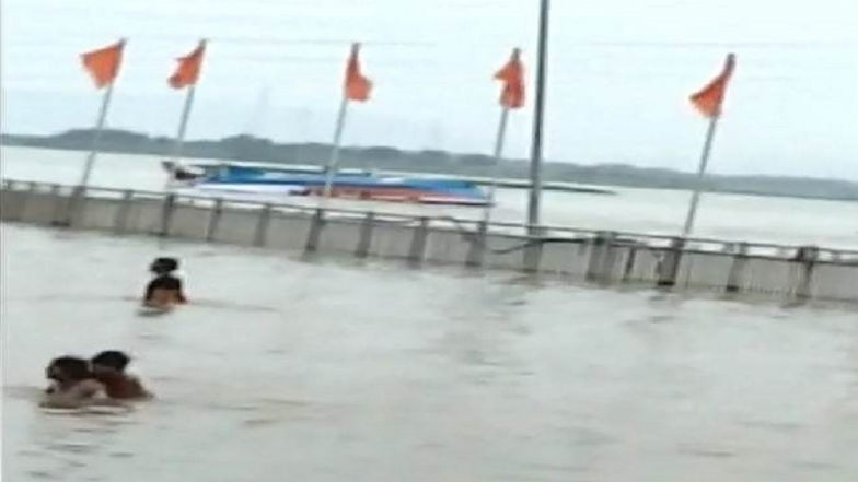 Andhra boat capsizes: Navy's teams sent for rescue efforts