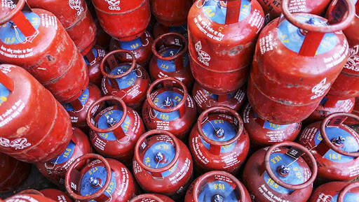 LPG Cylinder Price Hiked by Over Rs 2: Domestic Cooking Gas in Delhi to Cost Rs 507.42, Rs 505.05 in Mumbai