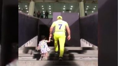 Is MS Dhoni Retiring As He Walks With Ziva for One Last Time to the Pune Dressing Room? Watch Video to Find Out