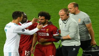Cristiano Ronaldo Consoles Mohamed Salah Post his Injury During Liverpool vs Real Madrid; His Gesture Creates Divided Opinions on Twitter