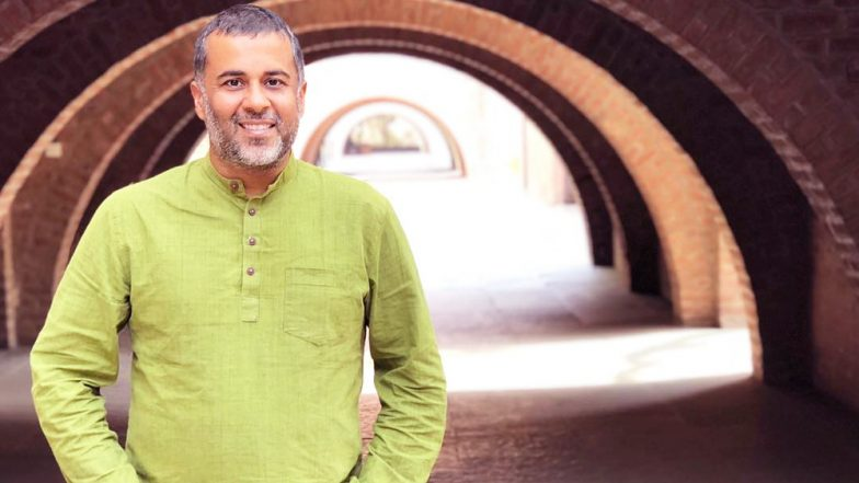 Chetan Bhagat Defends Himself After #MeToo Allegations Against Him by 'Porn Writer'; Read Facebook Post