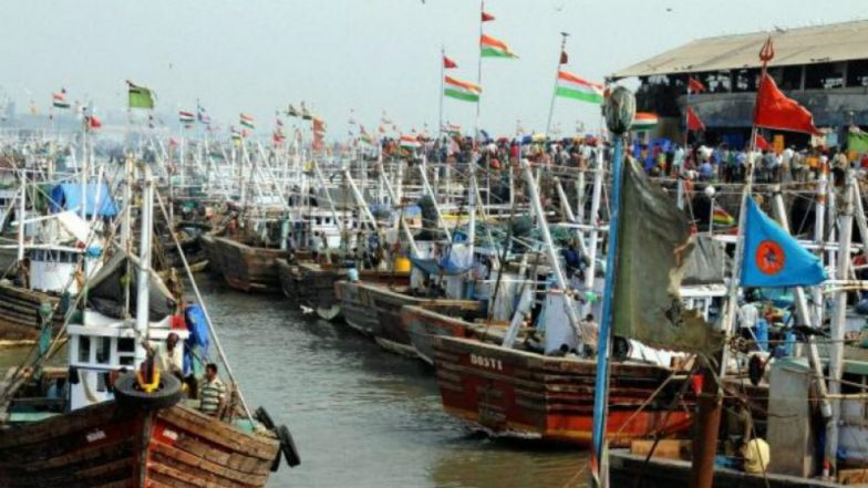 7 Tamil Nadu Fishermen Arrested by Sri Lankan Navy, Taken to Kangesanthurai Naval Camp