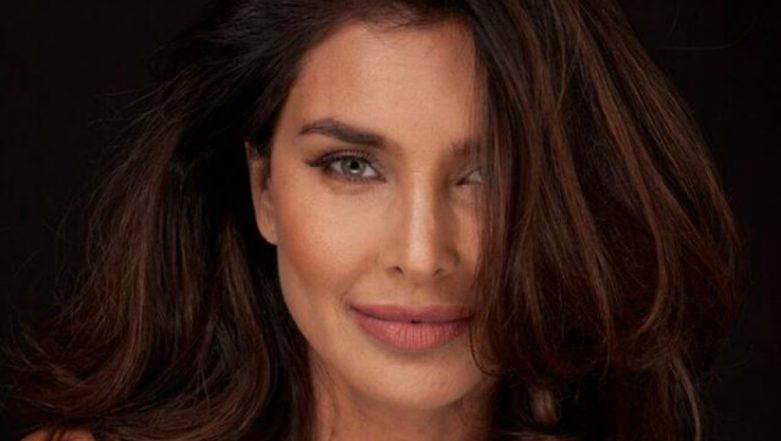 Saaho: After Diet Sabya, Actress Lisa Ray Slams Makers For Plagiarising Shilo Shiv Suleman's Artwork (View Pic)