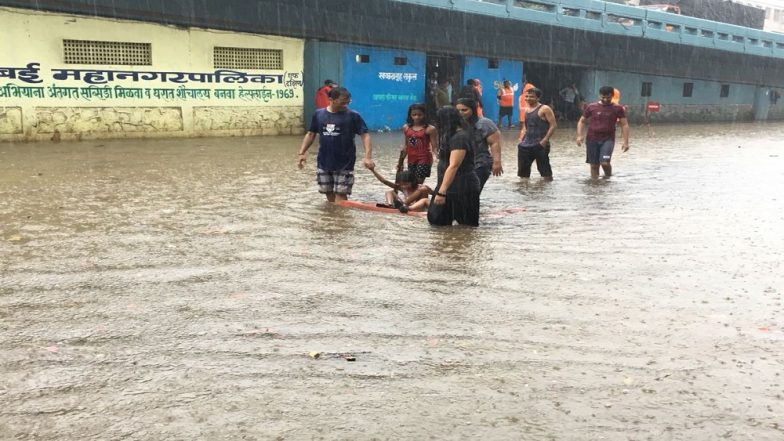 Mumbai Rains 2018: First Monsoon Shower Brings Woes to Commuters, Parts of City Flooded & Waterlogged, Netizens Share Pictures on Social Media