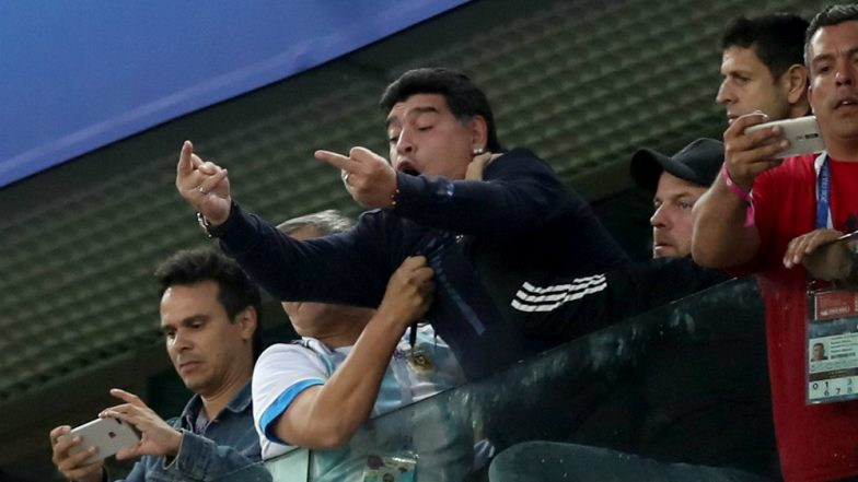 Diego Maradona Health Scare During Argentina vs Nigeria Match! Football Legend Flashes Middle Finger, Goes Overboard During 2018 FIFA Tie; Watch Video