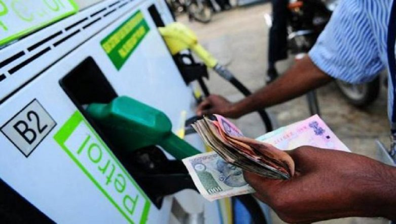 Fuel Price on August 30, 2018: Diesel Cost Hits Another Record High, Nears Rs 70 Per Litre in Delhi; Petrol at Rs 85.72 in Mumbai