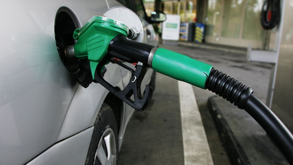 Fuel Rates: Petrol Crosses Rs 86 Mark in Delhi, Diesel Above Rs 83 in Mumbai | LatestLY