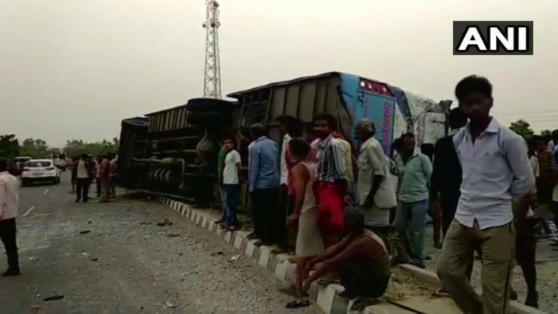 Mainpuri Tragic Bus Accident: 17 Dead, Several Injured After Bus Rams into Divider in UP
