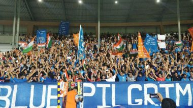 Fans Throng the Mumbai Football Arena After Sunil Chhetri's Appeal, Videos From India vs Kenya Match Will Give You Goosebumps